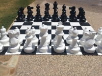 full-size-chess-game-rental-party-equipment