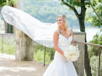 bride_bouquet_rough_hollow_yacht_club_lakeway_austin_texas_pavilion_wedding