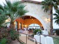 dinner_service_daylight_rough_hollow_yacht_club_lakeway_austin_texas_pavilion_wedding