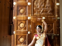 Sneak-Peek-bride-traditional-indian-rental-equipment-with-photographer-wedding-event-2061